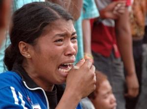 11-08-07-Bachau---Crying-woman--Police-HQ_large