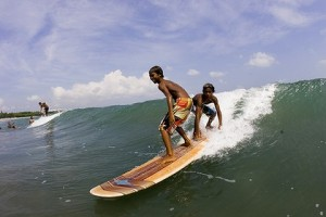 Bali-Children-Surfing-420x0