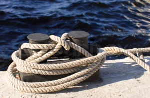 3127301-boats-and-docks-to-which-ropes-are-tied